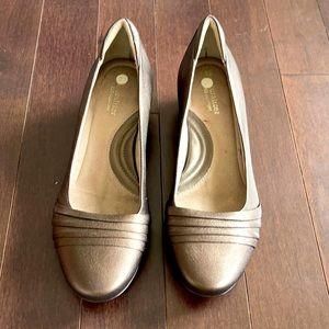Women's Naturalizer short heels